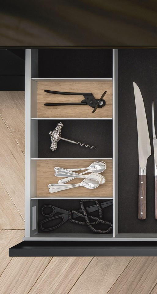 siematic-interior-drawers-pullouts-aluminum-027.jpg